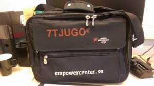 En sån här snygg väska får man också som certifierad handledare i 7tjugo :)