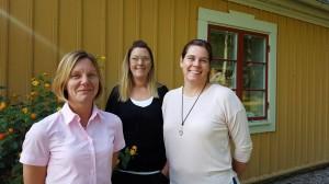 Ungdomssamordnare Anna Bjurenbord och Jessica Lundin, båda från Nyköping/Oxelösund, tillsammans med Cissie Brunosson, elevcoach Katrineholm.